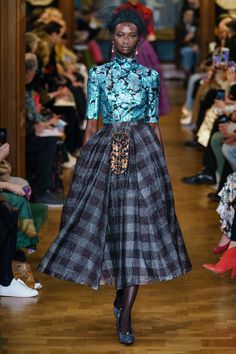 Erdem Fall 2019 Ready-to-Wear Collection - Vogue Fashion Week, Runway Fashion, High Fashion, Fashion Outfits, Womens Fashion, Fashion Trends, Mood Designer Fabrics, Style Haute Couture, Looks Chic