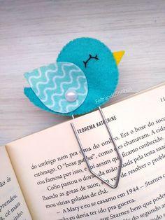 Flag Felt Page: 58 idées pour s'inspirer - Felt School Felt Crafts Diy, Foam Crafts, Yarn Crafts, Handmade Crafts, Sewing Crafts, Arts And Crafts, Diy Bookmarks, Crochet Bookmarks, Ribbon Bookmarks