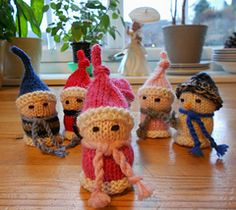 Ravelry: Christmas Cork Elves & Pals pattern by MagdaLaine Christmas Jingles, Christmas Makes, Christmas Knitting Patterns, Knitting Patterns Free, Knitting Ideas, Free Pattern, Knitted Christmas Decorations, Felt Ornaments, Christmas Ornaments