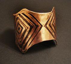 Handmade Copper Jewelry  Etched Copper Cuff  por jamiespinello, $40.00