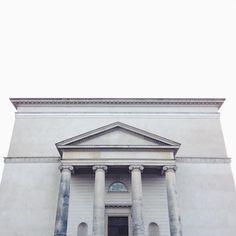 Christiansborgs Slotskirke. 1813-1826. Christian Frederik Hansen. Nordic Classicism, Ionic Order, Classical Architecture, Neoclassical, Gazebo, Outdoor Structures, Christian, Instagram Posts, Neoclassical Architecture