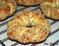 Savoury Baking, Bread Baking, Muffin Recipes, Bread Recipes, Bagel Recipe, Breakfast Lunch Dinner, Polish Recipes, Vegetable Side Dishes, Dinner Rolls