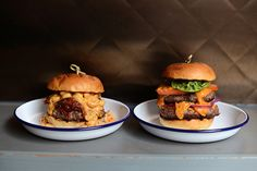 Dirty Bones Soho brings classy comfort food to Carnaby Street. Highlights include the Mac Daddy Burger and the Dirty Dog barbecue pulled pork. Barbecue Pulled Pork, Carnaby Street, London Restaurants, Soho, Bones, Ireland, Ethnic Recipes, Small Home Offices, Irish