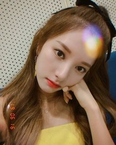 Asian Celebrities, Cosmic Girls, Nayeon, Idol, Actors, Heart, Fashion, Moda, La Mode