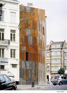 Social housing in Schaerbeek / Mario Garzaniti / Wallonie-Bruxelles Architectures Detail Architecture, Facade Architecture, School Architecture, Residential Architecture, Contemporary Architecture, City Ville, Social Housing Architecture, Habitat Collectif, Concrete Facade