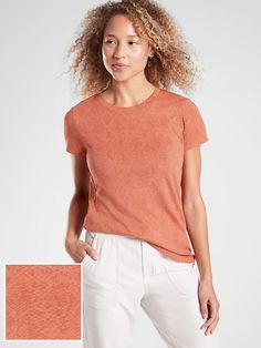 Shop Athleta's Organic Daily Snake Tee: FOR: Commuting, work and travel, FEEL: Seamless construction for maximum comfort and minimal chafing, FAVE: Snake print is flattering and versatile Cute Casual Outfits, Summer Outfits, Dark Autumn, Work Travel, Color Trends, Stylish, Tees, Organic, Shopping