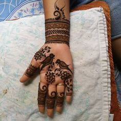 From weddings to engagements, from festivals to parties, here are 101 latest mehendi designs for 2019 for all occasions. Discover some chic new mehndi trends! Peacock Mehndi Designs, Mehndi Designs Book, Mehndi Designs 2018, Modern Mehndi Designs, Dulhan Mehndi Designs, Mehndi Patterns, Wedding Mehndi Designs, Mehndi Design Pictures, Mehndi Designs For Hands