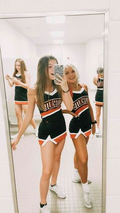 Easy Halloween Costume Ideas for College Students Hot coll. - Easy Halloween Costume Ideas for College Students Hot college Halloween Costu - Mulan Halloween Costume, Couples Halloween, Baby Girl Halloween Costumes, Cute Halloween, Halloween Outfits, Halloween Carnival, Group Halloween, Women Halloween, Halloween College
