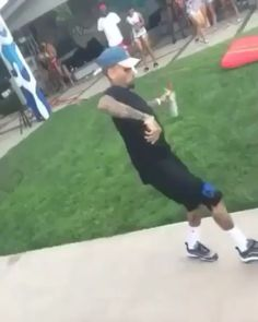 Chris Brown Funny, Chris Brown Music, Chris Brown Dance, Chris Brown And Rihanna, Chris Brown Art, Rihanna And Drake, Breezy Chris Brown, Chris Brown Videos, Chris Brown Pictures