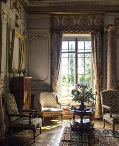 The Painted Chateau French Architecture, Interior Architecture, Interior And Exterior, Traditional Interior, Classic Interior, English House, Interior Decorating, Interior Design, French Decor