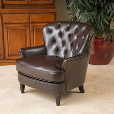 Home Loft Concept Waldorf Diamond Tufted Leather Club Chair