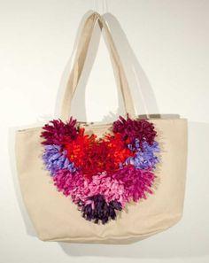 """Borsa in """"eco camoscio"""" con fiori tonalità multicolor, by caryhandmade, 30,00 € su misshobby.com"""