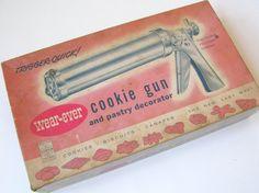 Vintage Wear Ever Cookie Gun Pastry Decorator