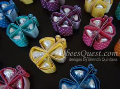 Qbee's Quest: Hershey's Kisses Butterfly Tutorial--she; Hershey's need to start giving her a commission! Candy Crafts, Cute Crafts, Easter Crafts, Holiday Crafts, Craft Gifts, Diy Gifts, 3d Templates, Little Presents, Butterfly Cards