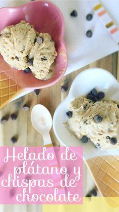 Helado de plátano y chispas de chocolate /// Delicioso y saludable helado casero de plátano, elaborado con  crema de almendras, un toquecito de miel de abeja  y chispas de chocolate amargo