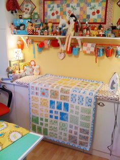 Taking Turns quilt by Happy Zombie, via Flickr