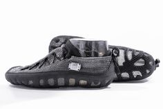 Paleos®CLASSIC (Black) – Barefoot Safety Shoes from #chainmail by GoSt-Barefoots #paleos #gostbarefoots #chainmailshoes #paleosultra #paleosxcolor #paleosclassic #paleosurban #footprotection #barefootrunning #safetyshoes #naturalrunning #barefootshoes #barfußschuhe #watershoes #perception #leasure #recreation #relaxation #minimalfootwear #running #hiking #climbing #outdoors #health #lifestyle #vegan