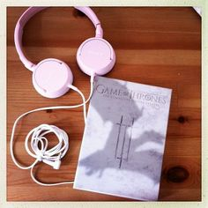 #Pink headphones + Game of Thrones
