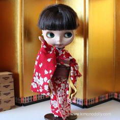ネオブライスドール用の着物と帯を和布を使って仕立てました赤地の桜模様の着物と渋い赤系の帯KNB004 by KimonoDollyDecoarte