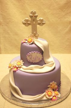 Communion/ Baptism Cake for girls. Come and visit us in Woodbridge, ON, CA. Cupcakes, Cupcake Cakes, Cake Icing, Comunion Cakes, Christian Cakes, First Holy Communion Cake, Confirmation Cakes, Catholic Confirmation, Religious Cakes