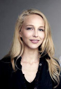 Schauspielerin braune locken deutsche haare Bye, glatte