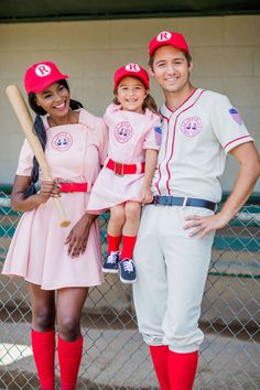 Halloween is all about costumes, outfits, and themed parties. Here are Halloween costumes for couples that allow them to enjoy together and forever Baby Girl Halloween, Mother Daughter Halloween Costumes, Family Themed Halloween Costumes, Family Costumes For 3, Mermaid Halloween Costumes, Halloween Costumes For Girls, Halloween Kids, Toddler Girl Halloween Costumes, Baby Costumes