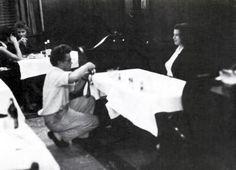 J.Dean en En Minetta's Tavern.  Foto Por Roy Schatt