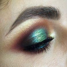 #tominamakeup#makeup#beauty#makeupartist#style#bride#bridalmakeup#wedding#weddingmakeup#eyemakeup#eye#макияж#визаж#визажист#hudabeauty #nophotoshop #smoky#smokyeyes#eyemakeup#blueeyes#strobing#цветноймакияж#цветноймакияжглаз#colorful#colormakeup#beautymakeup @hudabeauty#fashion#pigments Результат индивидуального занятия с Людмилой из Мурманска. Модель Танюша @tut_gavrilova #nofilters #nophotoshop