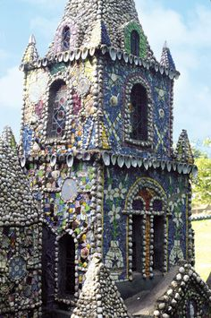 Brother Déodat's The Little Chapel, in RV 55. http://rawvision.com/articles/deodats-little-chapel