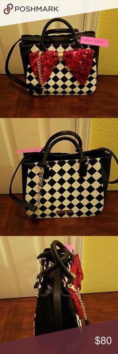 Betsey Johnson Handbag NWT Adorable and stylish bag. Betsey Johnson  Bags Shoulder Bags