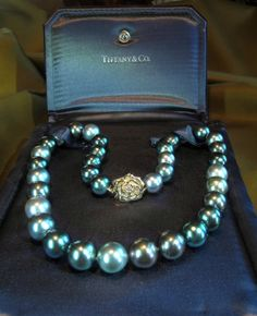 TIFFANY+&+CO+14K+DIAMOND+TAHITIAN+PEARL+VINTAGE+NECKLACE+ROSE+BOX+HUGE+12.50+MM!+#TiffanyCoHallmarked Strand Necklace, Ring Necklace, Gemstone Necklace, Pearl Jewelry, Fine Jewelry, Jewelry Necklaces, Tahitian Pearls, Cultured Pearls, Tiffany Jewelry