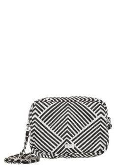 adidas umhängetasche airline bag perforated, Adidas Ess 3s
