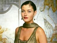 I loved this British TV series - House of Elliott and their amazing flapper fashions Flapper Style, 1920s Flapper, 1920 Style, Flapper Girls, Flapper Fashion, Vintage Style, Vintage Ladies, Louise Lombard, Gold Fashion