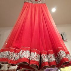 Reception bottom brand new coral goodness! Indian Attire, Indian Ethnic Wear, Indian Dresses, Indian Outfits, Bridesmaid Saree, Desi Clothes, Indian Clothes, Desi Wear, Traditional Fashion