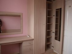 Wardrobe With Lots Of Shelves