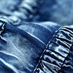 Vestido strapless confortável  Tecido de algodão  Decote V-neck  Estilo grego Sem mangas Saia franzida Marca Artka Fechamento da manga com botão coberto Mangas franzidas Comprimento: longo Faixa na cintura Origem: França Tamanho M