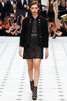 Burberry Prorsum - Spring Summer 2016 Ready-To-Wear - Shows - Vogue.it