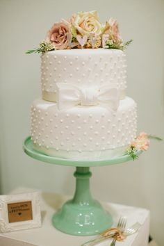 Camp Lucy Wedding by Jen Dillender - Southern Weddings Magazine Bow Wedding Cakes, Mint Wedding Cake, Wedding Cake Stands, Wedding Bows, Elegant Wedding Cakes, Elegant Cakes, Wedding Mandap, Wedding Stage, Wedding Receptions