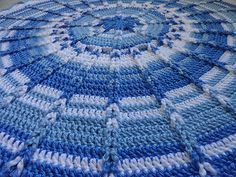 Round Jacob's Ladder Blanket For Babies By Maxine Gonser - Free Crochet Pattern - (ravelry)