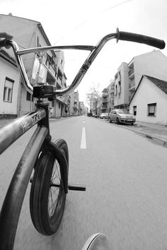 We pick interesting websites, photos and videos that you'll like. Bmx 20, Bmx Cycles, Vintage Bmx Bikes, Bmx Street, Bike Photography, Bmx Freestyle, New Motorcycles, Bike Style, Bicycle Design
