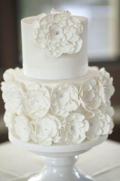 Real Wedding by Blumenthal Photography feat on Wedding Inspirasi   Chris & Lauren, Sault, Vic, Australia. Style   destination weddings, outdoor, elegant, romantic, lavender farm (62)