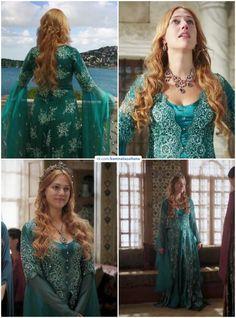 Meryem Uzerli, Royal Crown Jewels, Kosem Sultan, Queen Outfit, Ottoman Empire, Lgbt, Delaware, Fashion Art, Manhattan