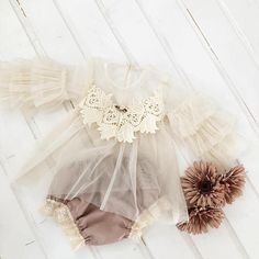 Newborn and sitter photo prop , delicate tulle blouse and dusty pink diaper cover. Baby Tutu, Baby Dress, Newborn Outfits, Girl Outfits, Baby Girl Fashion, Kids Fashion, Newborn Photo Props, Cute Baby Girl, Trendy Baby