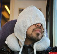 Kocham.to - Podróżna poduszka z kapturem