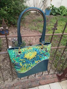Sac Samba fleuri bleu-vert de Pauline - Patron sac Sacôtin