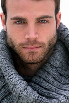 His stubble beard. Hairy Men, Bearded Men, Beautiful Eyes, Gorgeous Men, Moda Blog, Handsome Faces, Handsome Man, Moustaches, Male Face