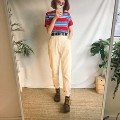 Beautiful butter yellow vintage mom jeans by Gloria. - Depop Beautiful butter yellow vintage mom jeans by Gloria super A - Depop Vintage Outfits, Retro Outfits, Trendy Outfits, Vintage Mom Jeans, Mode Outfits, Fashion Outfits, Women's Fashion, Fashion Trends, Moda Vintage