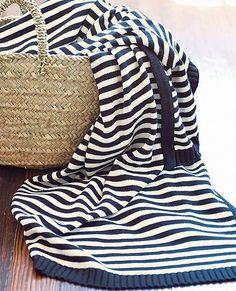 Stripe Happy throw by #hannahome   #sunnydaygiveaway