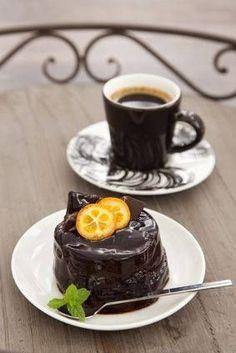 Caffeine Legumes, Soil Gourmet coffee, Flavoured and Espresso Coffee Menu, Coffee Type, Coffee Latte, Hot Coffee, Coffee Break, Coffee Drinks, Morning Coffee, Coffee Maker, Paleo Coffee
