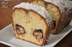 Chec Bounty | Retete culinare cu Laura Sava - Cele mai bune retete pentru intreaga familie Bounty Chocolate, Chocolate Glaze, Romanian Desserts, Nutella Brownies, Winter Desserts, Loaf Cake, Sweet Bread, Vanilla Cake, Banana Bread
